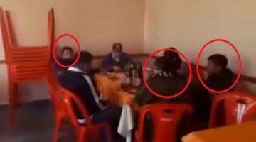 Sucre: sorprenden a policías y reos comiendo y bebiendo