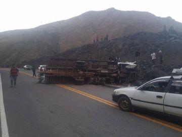 Fatal accidente deja al menos 18 muertos en vía a Chuquihuta