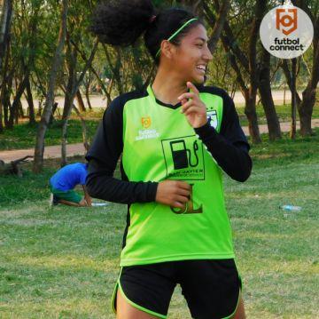 Equipo femenino entrena para la Libertadores