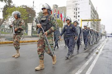 Perú: Renuncia Mercedes Aráoz en medio de choque de poderes