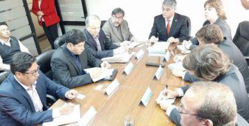Logran un acuerdo para liberar la carga boliviana en el puerto de Arica