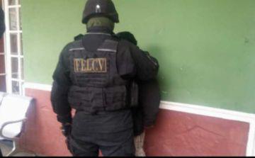 Felcv aprehende a un policía por la muerte de su pareja