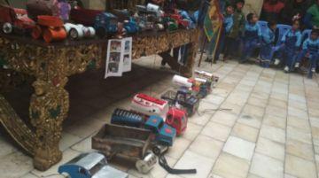 Kínder Melchor Daza organiza carrera de carritos de lata