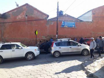 Embotellamiento vehicular llega hasta el cuartel