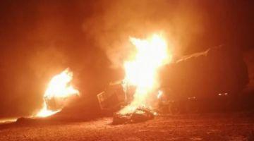Militares incineran 28 vehículos decomisados con mercadería ilegal