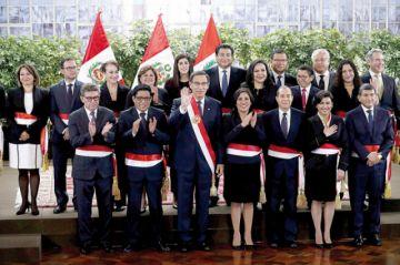 Perú: Martín Vizcarra juramenta a su nuevo gabinete