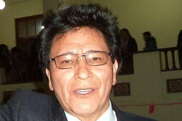 Víctor Hugo Villegas es elegido vicerrector en la UATF en segunda vuelta