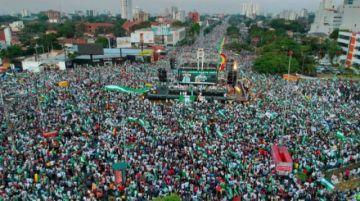 Cabildo va por el federalismo y el desacato a otro mandato de Evo