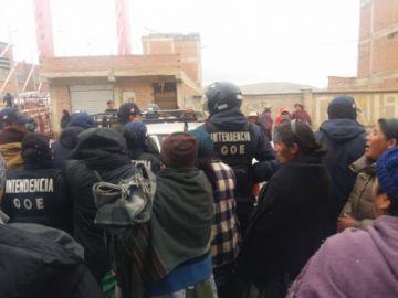Grupo de comerciantes de Virginia Vela intenta asentarse en avenida Sevilla