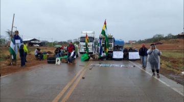 Roboré cumple bloqueo exigiendo declaratoria de desastre nacional