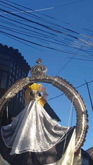 Procesión de la Virgen de la Merced sorteó varios cables