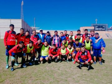 San Lorenzo gana por la mínima diferencia a Universitario en la Copa Simón Bolívar