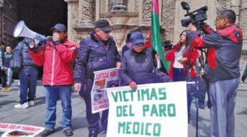 Víctimas del paro médico piden a la Fiscalía hacer cumplir fallo constitucional