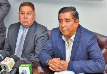 Salinas anuncia proceso legal contra periodista