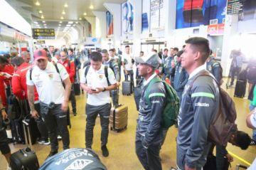 Selección boliviana Absoluta y Sub 23 emprenden viaje a Venezuela
