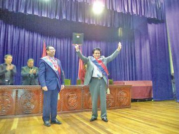 Víctor Hugo Villegas asume el cargo de vicerrector de la UATF