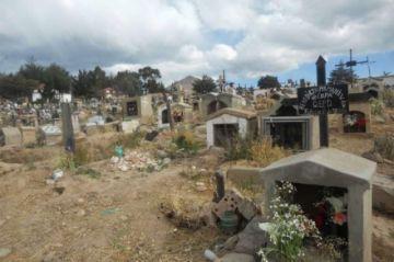Hombre se inmola con dinamita en cementerio