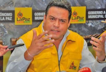 Revilla pide esperar influencia de cabildos en los comicios