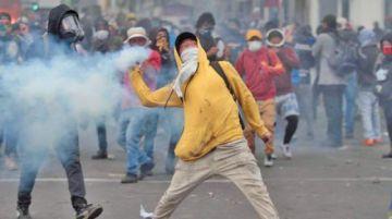 Sigue la tensión en Ecuador tras  peleas entre policías e indígenas