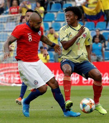Chile resiste con oficio el empuje de Colombia