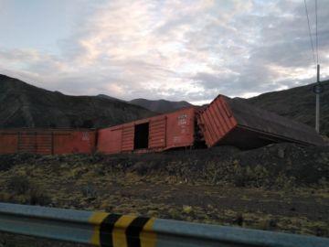 Reportan el descarrilamiento de un tren en la vía Potosí Sucre
