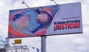 """Condenan gigantografías de víctimas de """"Octubre Negro"""""""