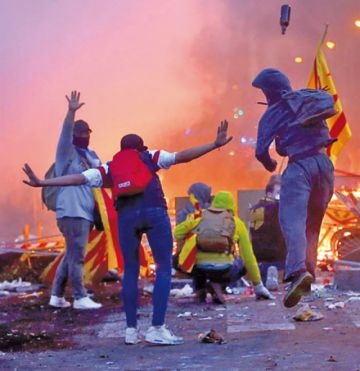 Cataluña: Los radicales causan graves disturbios