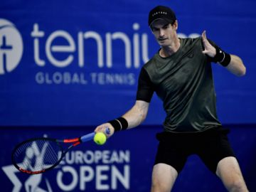 Murray gana y se sitúa en semifinales