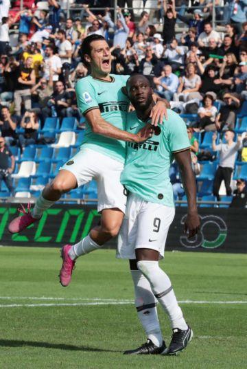 Inter gana a Sassuolo en la octava fecha de la Serie A italiana