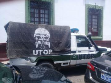 URGENTE: Policías de Sucre se trasladan a Potosí