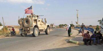 Miles de sirios huyen de las tropas turcas tras invasión militar