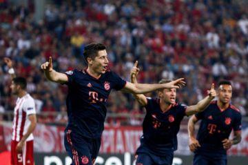 Bayern vence con doblete de Lewandowski