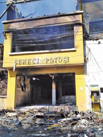 Fiscalía inicia investigación por destrozos en dos instituciones