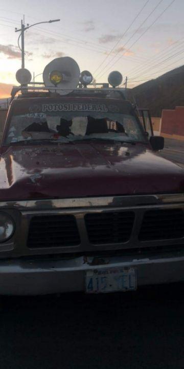Reportan destrozos en el vehículo de Comcipo