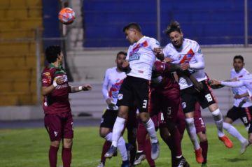 Bolivia se queda sin fútbol