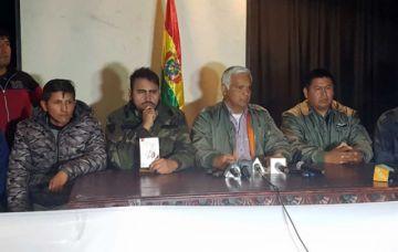 Los militares pasivos piden a las FF.AA. unirse al pueblo