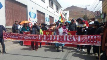 Cívicos del sur exigen la renuncia de Evo Morales