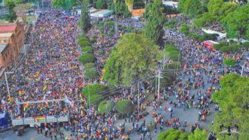 Cabildos de Sucre y Cochabamba definen el cerco a instituciones