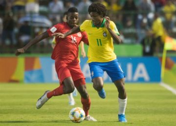 Brasil goleada en su debut a Canadá