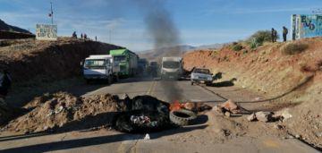 Campesinos del MAS comienzan bloqueos en los caminos