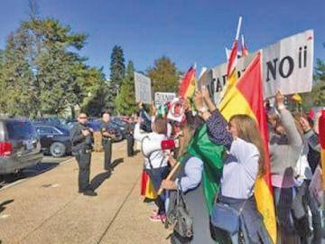 Bolivianos en exterior piden defender la democracia