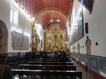 La Iglesia Católica abre los templos para recibir las oraciones por la paz