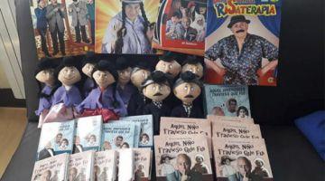 Santalla vende muñecos para pagar su tratamiento