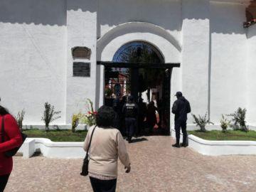 Poca gente acude al cementerio general de Potosí