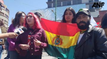 """Jóvenes anuncian denuncia internacional contra Evo por actos """"antidemocráticos"""""""