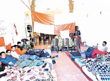 Continúa la huelga de hambre en las iglesias