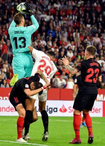 """Sevilla y Atlético empatan en el """"Sánchez Pizjuán"""""""