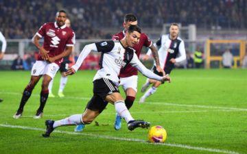 Juventus gana a Torino y se mantiene líder de la Serie A italiana