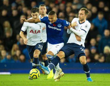 El Everton empata en el tiempo añadido y acentúa la crisis del Tottenham