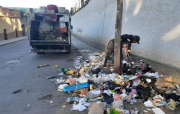 Emap recoge la basura en medio del conflicto social